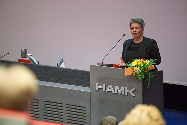 Juhlapuhuja Hanna Kivelä, Industry Leader, Google Finland