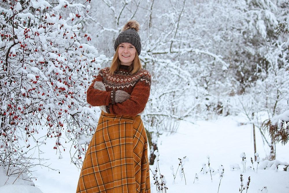 Terhi Tammivirta lumisessa maisemassa